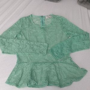 Lace peplum top with zipper back - Large